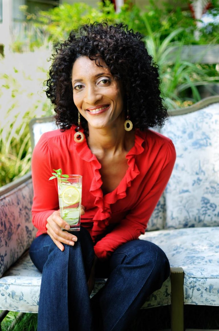 'Top Chef' Carla Hall demonstrates love, and more, at the fair