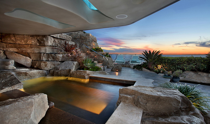 Seaside Grotto: A Spectacular, Whimsical Hideaway Fit for a Mermaid