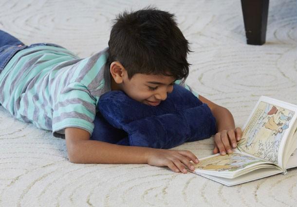 May Travel News: Znzi Travel Stuff Pillow