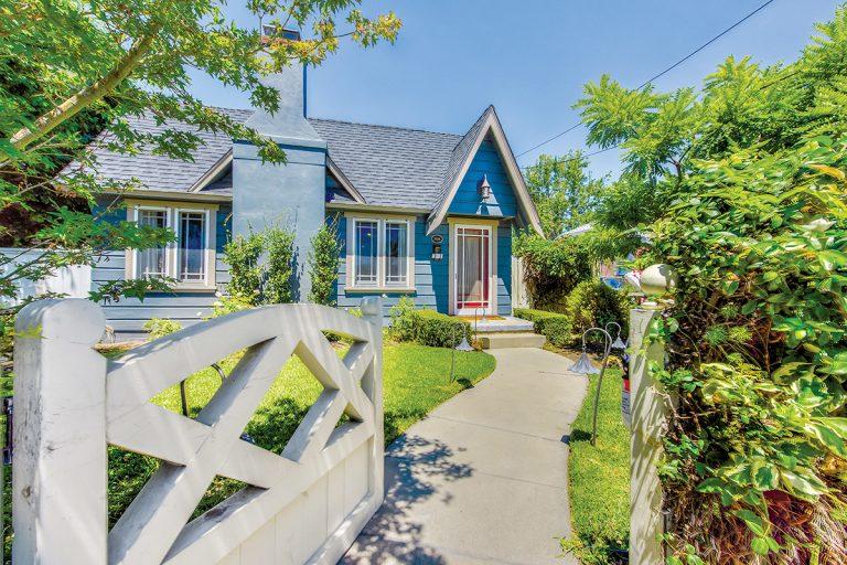 On the Market: 1920s-Era Orange Home