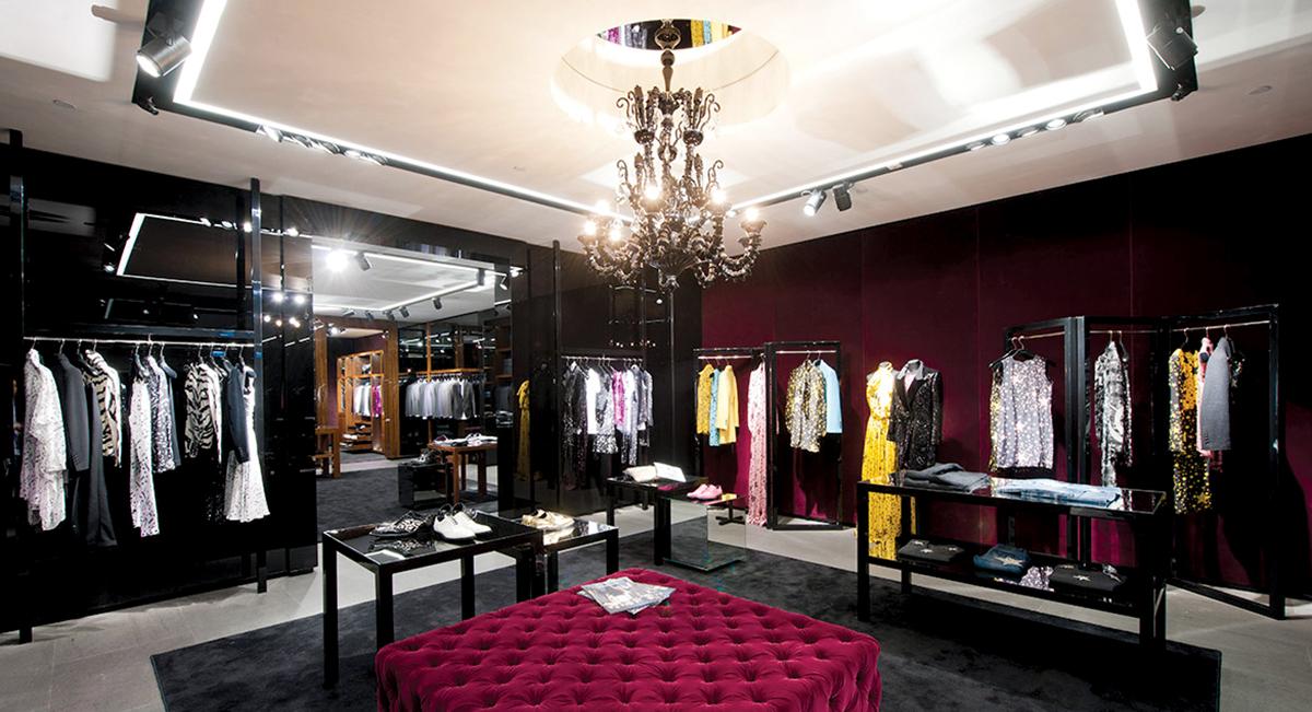 651a869d7d27 dolce-and-gabbana-boutique-woman-elements-hong-kong