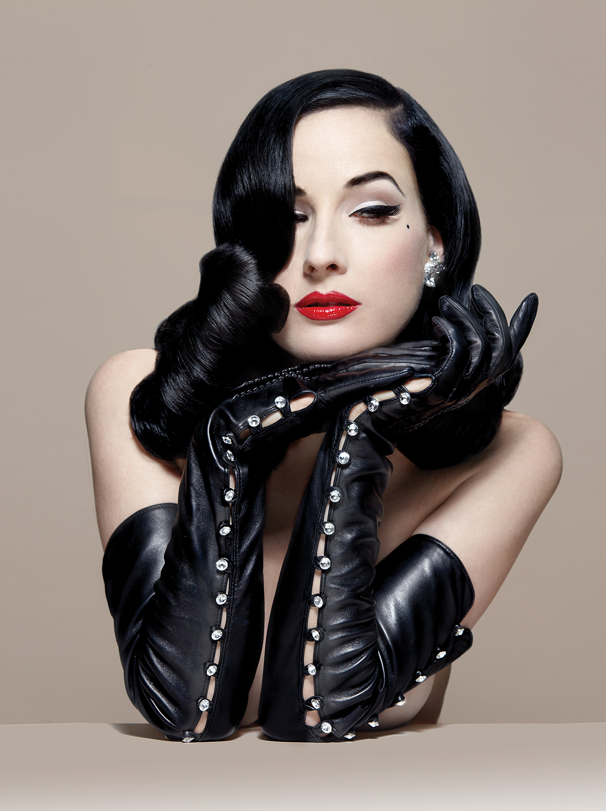 How Dita Von Teeses Oc Past Paved The Way For Her Shimmying Fame