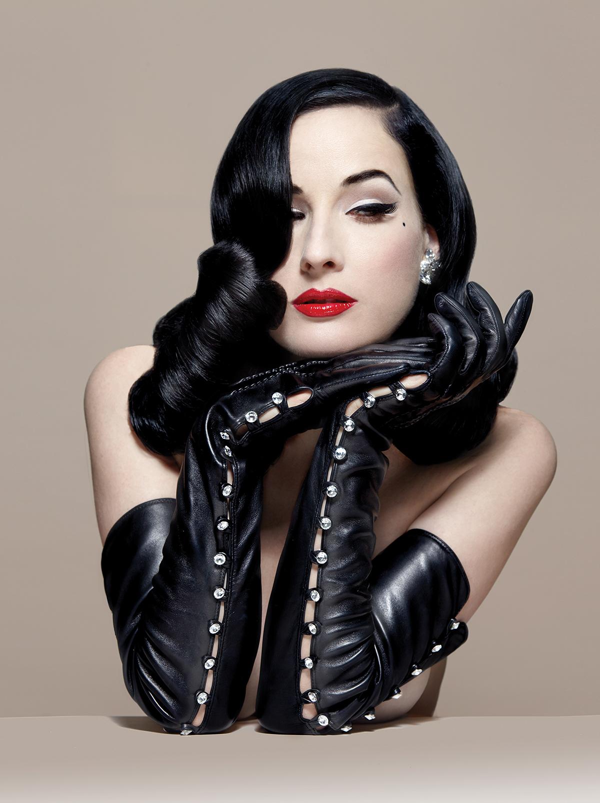 XXX Pictures Dita von teese gloves
