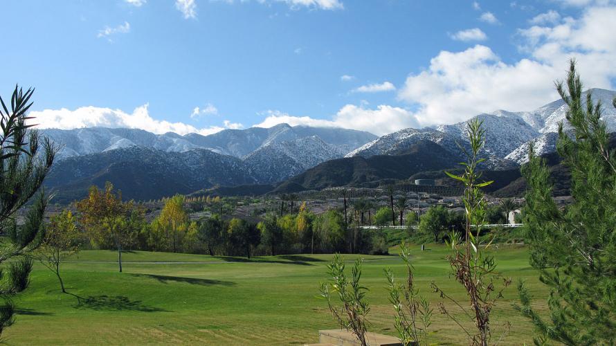 Santa_Ana_Mountains_in_Snow
