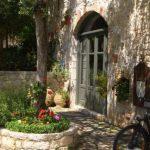Hotel Familia - Courtyard