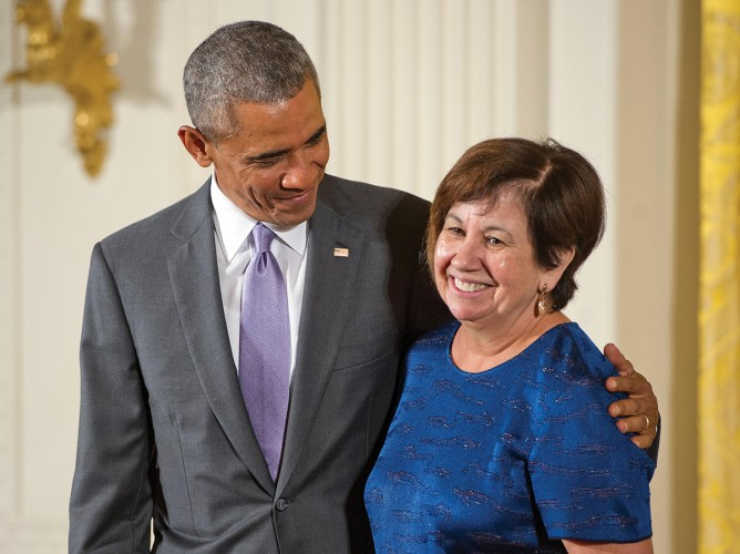 F25G0R Washington DC, USA. 10th Sep, 2015. United States President Barack Obama presents the National Humanities Medal to Vicki Lynn Ruiz of Irvine, California, historian, during a ceremony in the East Room of the White House in Washington, DC on Thursday, September 10, 2015. Credit: Ron Sachs/CNP (RESTRICTION: NO New York or New Jersey Newspapers or newspapers within a 75 mile radius of New York City) - NO WIRE SERVICE - © dpa picture alliance/Alamy Live News