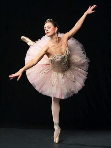Gina Cerato 3