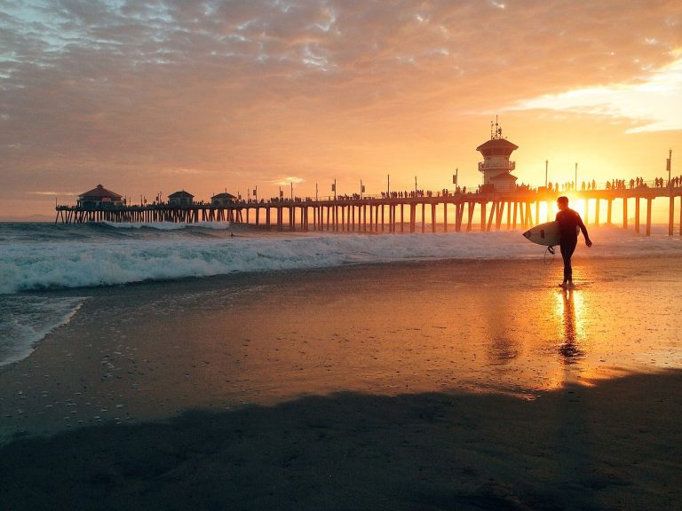 """20 Quintessential """"Oh-So-O.C."""" Experiences That You'll Only Get Here"""