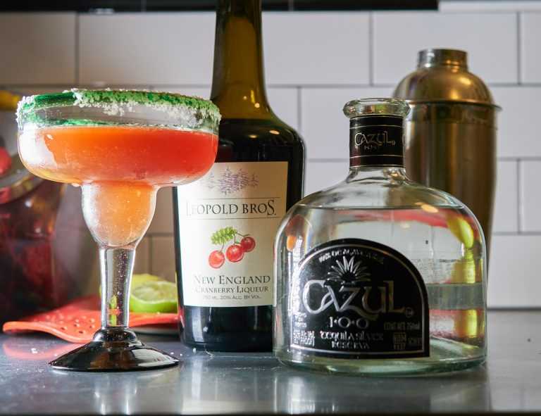 Spice Up Your Thanksgiving Table With a Twist on This Classic Cocktail