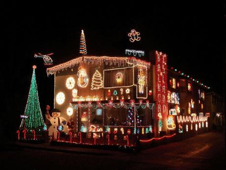 Lake Forest Christmas Lights