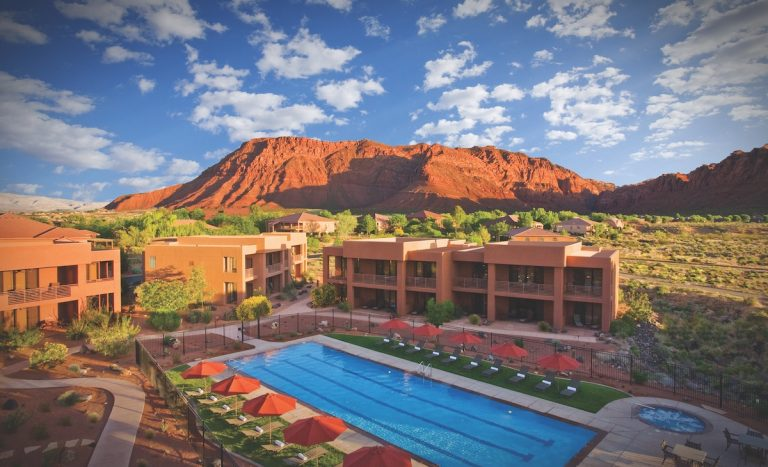 Perfect Getaway: Southern Utah's Stunning Views and Utter Relaxation