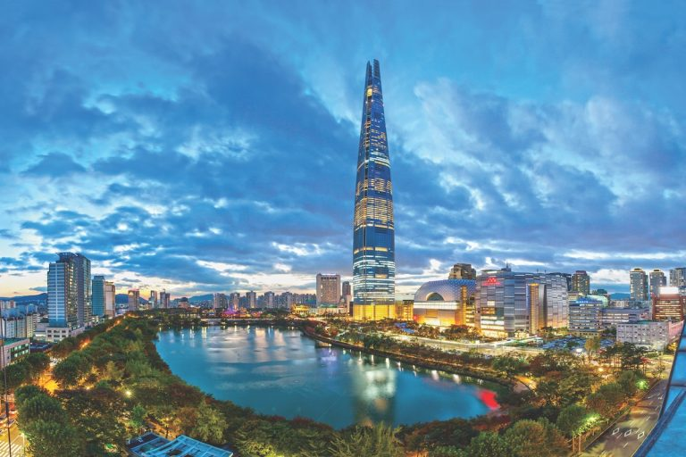 Perfect Getaway: Seoul Lures Visitors with Ancient Charm and Modern Amenities