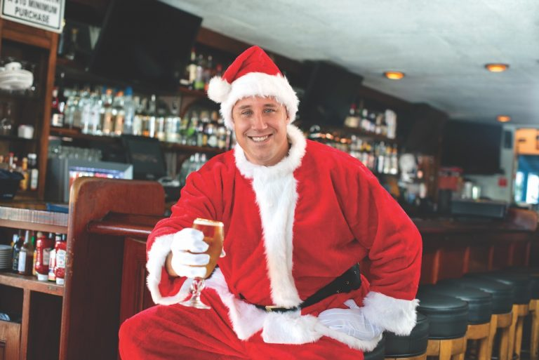 Holiday Spirits: Newport Beach Santa Pub Crawl Raises Money for Charity